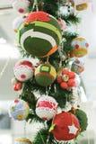 Juguetes y bolas de la Navidad del primer Imágenes de archivo libres de regalías