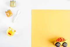 Juguetes y colección de la comida para la maqueta de la opinión superior de la habitación del niño Fotos de archivo libres de regalías