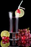 Juice and fresh fruits - organic, health drinks se Royalty Free Stock Images