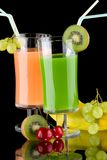 Juice and fresh fruits - organic, health drinks se Stock Photography