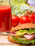 Juice And Roll Shows Ham geschmackvoll und wohl lizenzfreie stockfotografie