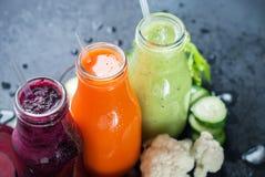 Juice Smoothie Color Vegetables Bottles frais Photos libres de droits