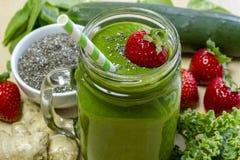 Juice Smoothie Drink verde in buona salute Immagine Stock Libera da Diritti