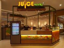 Juice Work Kiosk al centro commerciale fotografie stock