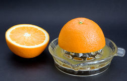 juicing orange överkant Arkivbilder