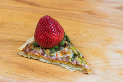 Juicy φράουλα στην πίτσα Στοκ Φωτογραφία