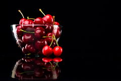 Juicy cherries in a bowl Royalty Free Stock Photography