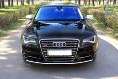 7 juillet 2016 ; L'Ukraine, Kiev ; Audi S8 en parc sur l'allée photos stock