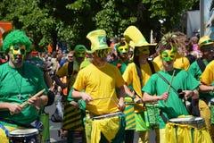 Juillet 2015, le carnaval des peuples dans Kreuzberg, Berlin Partecipants sud-américains photo stock