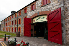 29 juillet 2017, les distillateurs marchent, Midleton, liège de Co, Irlande - entrée principale à Jameson Experience Images stock
