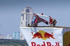 26 JUILLET 2015 MOSCOU : Jour rouge de flugtag de taureau Images libres de droits