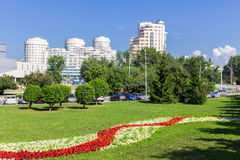 Juillet 2016 Panorama de la ville d'Iekaterinbourg Vue de rue de Dzerzhinsky photographie stock libre de droits