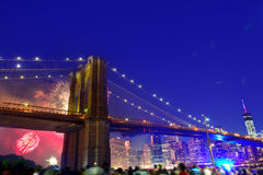 4 juillet 2014 pont de Brooklyn de feux d'artifice Manhattan Photo libre de droits
