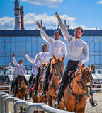 25 juillet 2015 Présentation cérémonieuse de l'école d'équitation de Kremlin sur VDNH à Moscou Photo stock
