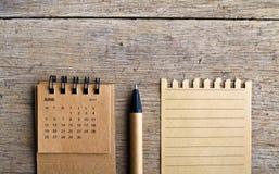 juin Feuille de calendrier sur le fond en bois Photo libre de droits