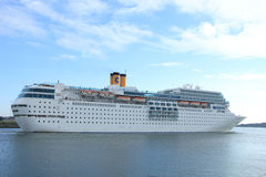 13 juin 2014 IJmuiden : Costa Neo Romantica sur la Mer du Nord Cana Images stock
