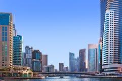 4 JUIN : La zone résidentielle de la marina de Dubaï Photos libres de droits
