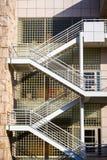 8 juin 2018 Los Angeles/CA/Etats-Unis - escalier extérieur en métal en dehors d'un des bâtiments du centre de Getty conçu par image stock
