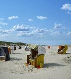 Juist das cadeiras de praia (Alemanha) Foto de Stock