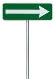 Juiste van het de richtingsteken van de verkeersroute slechts de draaiwijzer, groene geïsoleerde kant van de wegsignage, het witt Stock Afbeeldingen