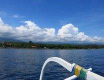 Jukung, el barco de pesca tradicional de pescadores indonesios imagen de archivo