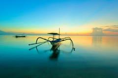 Jukung na praia de Sanur Fotos de Stock Royalty Free