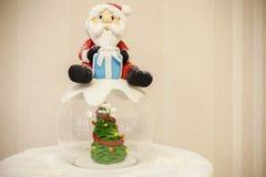 Jul bakar ihop med kräm Arkivfoton