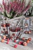 Jul dricker, ljung, muttrar och tranbär Royaltyfria Bilder