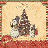 Jul eller den drog handen för nytt år färgade vektorillustrationen - kortet, affisch Snögubbe i högväxt hatt, xmas-träd och gåva Fotografering för Bildbyråer