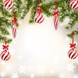 Jul för nytt år Hälsningkort med randiga bollar och stearinljus Gräsplanfilialer av granträd i snön illustration vektor illustrationer