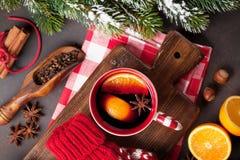 Jul funderade vin och ingredienser Arkivbild