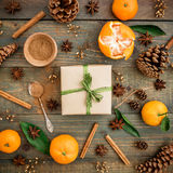 Jul gåva och mandarin Lekmanna- lägenhet 1 livstid fortfarande Top beskådar Arkivbilder