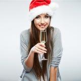 Jul isolerade exponeringsglas för vin för kvinnaståendehållen Arkivbild