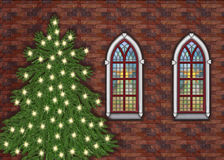 Jul kyrktar med stjärnor i fönstren och en christmastree utanför Royaltyfria Foton