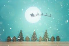 Jul landskap med snö Glad jul och hälsningkort för lyckligt nytt år med kopia-utrymme Fotografering för Bildbyråer