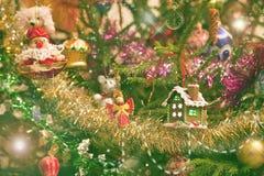 Jul leker med huset och ängel Arkivbild