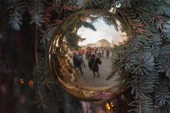 Jul marknadsför på kålmarknaden i Brno Arkivbild