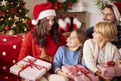 Jul med familjen arkivfoto