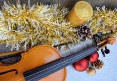 Jul med musik och garnering Royaltyfri Foto
