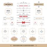 Jul och ramar och baner för lyckligt nytt år Dekorativa etiketter och emblem som isoleras på vit Moderiktigt färgar Fotografering för Bildbyråer