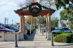 Jul ordnar till Ventura Boulevard i gammal stad av Camarillo, CA Arkivbild