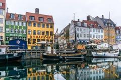 Jul på den Nyhavn hamnen i Köpenhamn Royaltyfri Fotografi