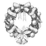 Jul räcker den utdragna vektorillustrationen - den dekorativa kransen skissar, tappningstil Fotografering för Bildbyråer
