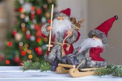 Jul Santa Claus på suddig ljus bakgrund Royaltyfri Foto