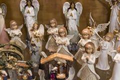 Jul shoppar av souvenir och smycken i staden av Sainte-Andr i Ungern Arkivbild