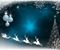 Jul slösar bakgrund med snöflingor, julträdet och Santa Claus på ren Royaltyfri Bild
