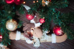 Jul som är inre med hjortar Royaltyfri Bild