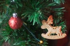 Jul som är inre med hjortar Royaltyfria Foton
