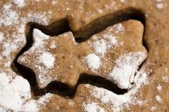 Jul som bakar - pepparkakor Fotografering för Bildbyråer