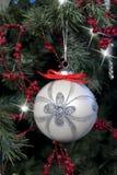 jul som hänger prydnaden Royaltyfri Foto